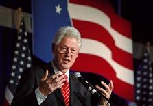 """<p>Экс-президент США Билл Клинтон на деловом форуме в Вашингтоне 9 марта 2009 года. Бывший президент США Билл Клинтон прибыл во вторник в Северную Корею, чтобы обсудить возможность освобождения двух американских журналисток, обвиненных коммунистическим государством в """"серьезных преступлениях"""", сообщило южнокорейское агентство Yonhap. REUTERS/Jim Young</p>"""
