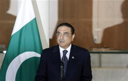 Pakistani President Asif Ali Zardari addresses a news conference at NATO headquarters in Brussels, June 17, 2009. REUTERS/Francois Lenoir