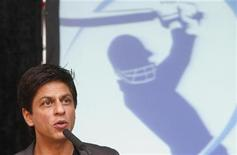 <p>Bollywood star and owner of the Kolkata Knight Riders cricket team, Shah Rukh Khan, addresses a news conference of the Indian Premier League (IPL) T20 cricket tournament in Cape Town, April 16, 2009. REUTERS/Mike Hutchings</p>