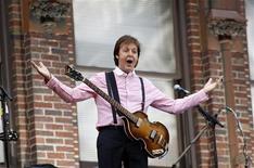 <p>Foto de aqruivo de Paul McCartney, ex-integrante dos Beatles, em Nova York. 15/07/2009. REUTERS/Mike Segar</p>