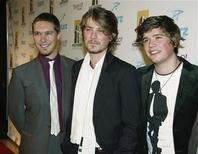 <p>Members of the pop music group Hanson, brothers (L-R) Issac, Taylor and Zach Hanson pose at the 10th Hollywood Film Festival Awards Gala in Beverly Hills October 23, 2006. REUTERS/Fred Prouser</p>