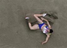 <p>Maurren Maggi durante salto que a classificou para a final no Mundial de Atletismo, em Berlim. REUTERS/Pawel Kopczynski</p>