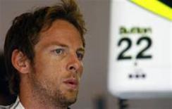 <p>Button diz que precisa ser mais agressivo na Bélgica, após vitória de Barrichello no domingo no Grande Prêmio da Europa. REUTERS/ Dominic Ebenbichler</p>