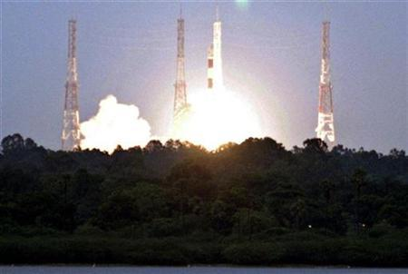 India's Polar Satellite Launch Vehicle (PSLV) C-11 blasts off carrying India's first unmanned moon mission Chandrayaan-1 from the Satish Dhawan space centre at Sriharikota, about 100 km (62 miles) north of the southern Indian city of Chennai October 22, 2008. REUTERS/Babu