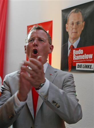 Bodo Ramelow top candidate of the left-wing party 'Die Linke' in the federal state elections of Thuringia, reacts in his party headquarters in the eastern German city of Erfurt August 30, 2009. REUTERS/Wolfgang Rattay