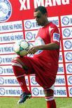 <p>Arsenal renovou contrato de Denílson, em foto de arquivo. REUTERS/Quang Minh</p>