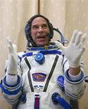<p>Guy Laliberte, fundador do Cirque du Soleil, vai visitar a Estação Espacial Internacional REUTERS/Sergei Remezov</p>