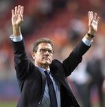<p>Fabio Capello quer continuar como técnico da seleção inglesa pelo menos até 2012, disse o italiano nesta sexta-feira. REUTERS/Toussaint Kluiters/United Photos (NETHERLANDS SPORT SOCCER)</p>