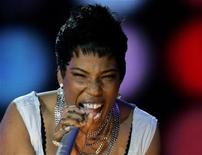 """<p>Американская певица Мейси Грэй поет на пляже Капакабана в Рио-де-Жанейро 7 июля 2007 года. 11 сентября 2009 года соул-певица Мэйси Грей споет в """"Б1 Maximum"""". REUTERS/Bruno Domingos</p>"""