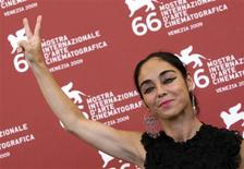 "<p>Director Shirin Neshat attends the ""Zanan Bedoone Mardan"" (Women Without Men) photocall at the Palazzo del Casino during the 66th Venice Film Festival September 9, 2009. REUTERS/Alessandro Bianchi</p>"