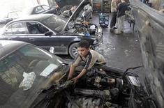 <p>Rapporto Usa: lavoro infantile e forzato dietro a molti prodotti. REUTERS/Saad Shalash</p>