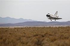 <p>Atterraggio riuscito per il Discovery dopo 14 giorni di missione. REUTERS/Danny Moloshok</p>