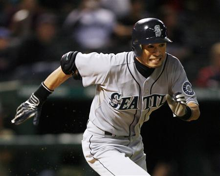Seattle Mariners' Ichiro Suzuki runs to first base for a single against the Texas Rangers in the second inning of their MLB American League baseball game in Arlington, Texas September 13, 2009. REUTERS/Mike Stone