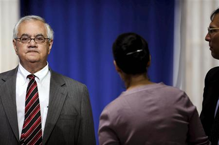 Barney Frank (D-MA) chairman of the House Financial Services Committee waits for President Barack Obama to speak about the global financial crisis at Federal Hall in New York, September 14, 2009. REUTERS/Jeff Zelevansky