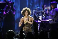 <p>Whitney Houston thanks the crowd at the conclusion of her performance at the 2009 Grammy Salute to Industry Icons event, honoring Clive Davis in Beverly Hills, California February 7, 2009. REUTERS/Mario Anzuoni</p>
