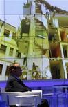 <p>Berlusconi ieri negli studi di Porta a Porta. REUTERS/Remo Casilli (ITALY POLITICS)</p>