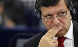 <p>Глава Еврокомиссии Жозе Мануэл Баррозу на слушаниях в Европарламенте в Страсбурге 15 сентября 2009 года. Европарламент в среду переизбрал на новый пятилетний срок президента Еврокомиссии Жозе Мануэла Баррозу. REUTERS/Vincent Kessler</p>