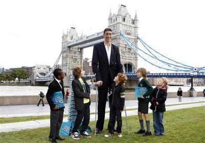 World's tallest men