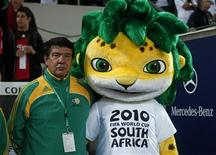 <p>O brasileiro Joel Santana (em foto de arquivo) é treinador da seleção sul-africana, que deve enfrentar a Noruega e a Islândia em outurbro. REUTERS/Ina Fassbender</p>