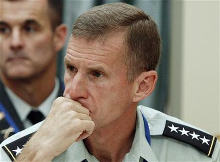 U.S. General Stanley McChrystal, the new commander for the international troops in Afghanistan, attends a meeting of the chiefs of defence staff of the 28 Nato member countries in Sintra September 18, 2009. REUTERS/Nacho Doce