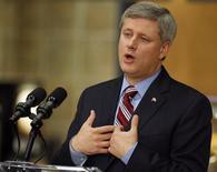 <p>Canada's Prime Minister Stephen Harper speaks at the Tim Hortons Innovation Centre in Oakville September 23, 2009. REUTERS/ Mike Cassese</p>