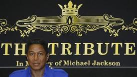<p>Foto de archivo de Jermaine Jackson, hermano del fallecido cantante pop Michael Jackson, durante una conferencia de prensa en Viena, 11 sep 2009. El alcalde de Viena defendió el jueves su decisión de apoyar un concierto en memoria de Michael Jackson en la capital austríaca, que luego fue cancelado, y reconoció que el proyecto estuvo mal organizado. REUTERS/Leonhard Foeger</p>