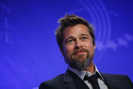 Actor Brad Pitt speaks during a panel discussion about rebuilding New Orleans, at the Clinton Global Initiative, in New York, September 24, 2009. About 1,200 participants including heads of state, business leaders, humanitarians and celebrities will attend the fifth annual Clinton Global Initiative (CGI) which started on Tuesday. REUTERS/Chip East