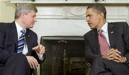 <p>U.S. President Barack Obama (R) and Canada's Prime Minister Stephen Harper meet in the Oval Office of the White House in Washington September 16, 2009. REUTERS/Larry Downing</p>