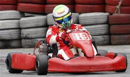 <p>Felipe Massa a bordo di un kart settimana scorsa. REUTERS/Paulo Whitaker (BRAZIL MOTOR RACING SPORT TRANSPORT IMAGES OF THE DAY)</p>