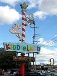 <p>A general view shows the Kiddieland amusement park in Melrose Park, Illinois October 4, 2009. REUTERS/Karen Pierog</p>