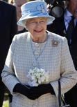 <p>A rainha Elizabeth (em foto de arquivo) frequentemente vai ao teatro sem se anunciar, mas raramente é reconhecida. REUTERS/Bob Collier/Pool</p>