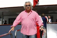 <p>Foto de arquivo do ex-chefe da equipe Renault de Fórmula 1, Flavio Briatore, em Mônaco, em maio. Briatore iniciou uma ação legal em um tribunal de Paris para tentar revogar sua exclusão da categoria, afirmou um porta-voz do tribunal nesta segunda-feira.22/05/2009.REUTERS/Robert Pratta</p>