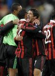 <p>Alexandre Pato marca dois em vitória do Milan por 3 x 2 sobre Real Madrid. REUTERS/Felix Ordonez</p>