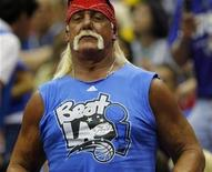 <p>Wrestler Hulk Hogan stands during Game 4 of the NBA Finals basketball game between the Orlando Magic and the Los Angeles Lakers in Orlando, Florida June 11, 2009. REUTERS/Hans Deryk</p>