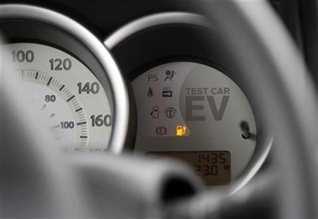 A meter in Nissan Motor Co's electric vehicle (EV) prototype is pictured during a test drive on the company's Oppama test drive course in Yokosuka, south of Tokyo July 27, 2009. REUTERS/Yuriko Nakao