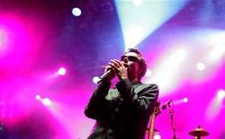 <p>Il rapper Adam Yauch dei Beastie Boys durante un'esibizione. REUTERS/Marko Djurica</p>