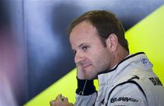 <p>Nico Hulkenberg espera ser mais do que apenas o parceiro de Rubens Barrichello, em foto de arquivo, quando eles dividirem os carros da equipe Williams no ano que vem. REUTERS/Caren Firouz</p>