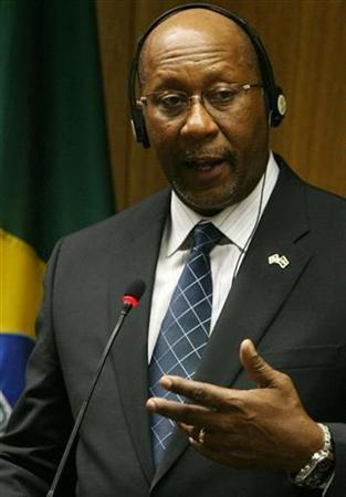 U.S. Trade Representative, Ron Kirk talks during a news conference with Brazil's Foreign Minister Celso Amorim at the Itamaraty Palace in Brasilia September 17, 2009. REUTERS/Roberto Jayme