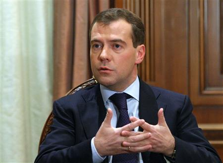 Russia's President Dmitry Medvedev speaks with German journalists at the Gorki residence outside Moscow, November 7, 2009. REUTERS/Ria Novosti/Kremlin/Mikhail Klimentyev