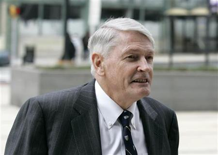 Liberty Media Corporation Chairman John Malone returns to the Chancery court in Wilmington, Delaware, after a lunch break March 10, 2008. REUTERS/John Randolph
