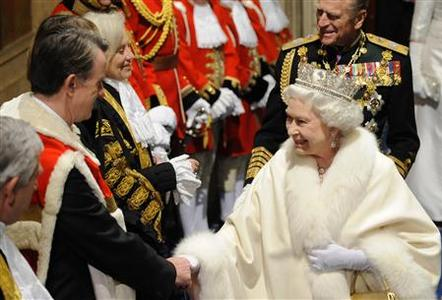 The Queen greets Business Secretary Peter Mandelson (2nd L) during the annual State Opening of Parliament in London November 18, 2009. REUTERS/Toby Melville