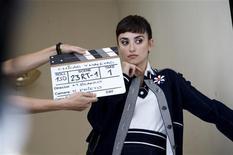 """<p>Penélope Cruz posa para campanha do filme """"Abraços Partidos"""". REUTERS/Emilio Pereda & Paola Ardizzoni/El Deseo/Sony Pictures Classics/Handout</p>"""