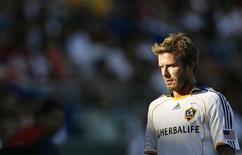 <p>David Beckham, do L.A. Galaxy, provavelmente terá de tomar uma injeção de analgésicos para seu tornozelo contundido antes da final do Campeonato Americano, mas ele disse que estará bem para o jogo contra o Real Salt Lake. REUTERS/Danny Moloshok (UNITED STATES SPORT SOCCER)</p>