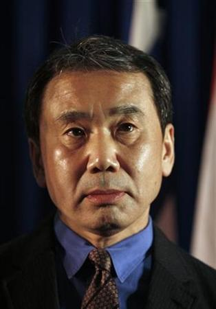 Japanese writer Haruki Murakami attends a ceremony awarding him with a prize at the 24th International book fair in Jerusalem February 15, 2009. REUTERS/Baz Ratner