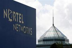 <p>Sinalização da Nortel em edifício da empresa em Ottawa, Canadá. A Ciena vai adquirir as divisões de redes ópticas e de ethernet para operadoras de telefonia da Nortel por 769 milhões de dólares, depois de derrotar a Nokia Siemens Networks em um leilão de três dias.</p>