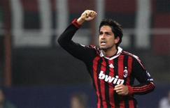 <p>Marco Borriello, do Milan, comemora seu gol contra o Olympique de Marselha nesta quarta-feira. REUTERS/Tony Gentile</p>