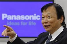 <p>Le directeur général de Panasonic, Hitoshi Otsuki, vise une croissance à deux chiffres des ventes du groupe à l'étranger au cours des trois prochains exercices. /Photo prise le 26 novembre 2009/REUTERS/Yuriko Nakao</p>