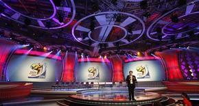 <p>Cenário que sediará o sorteio dos grupos da Copa da África do Sul 2010, no dia 4 de dezembro. REUTERS/Mike Hutchings</p>