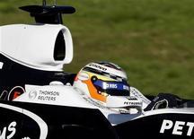 <p>Piloto da Williams Nico Hulkenberg em foto de arquivo durante teste em 2008 na Espanha REUTERS/Gustau Nacarino</p>