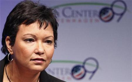 Lisa Jackson, the head of the U.S. Environmental Protection Agency, listens to a question at a news conference at the UN Climate Change Conference 2009 in Copenhagen December 9, 2009. REUTERS/Bob Strong